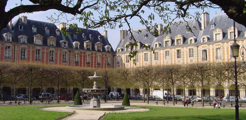 Place des Vosges, il fascino della storia
