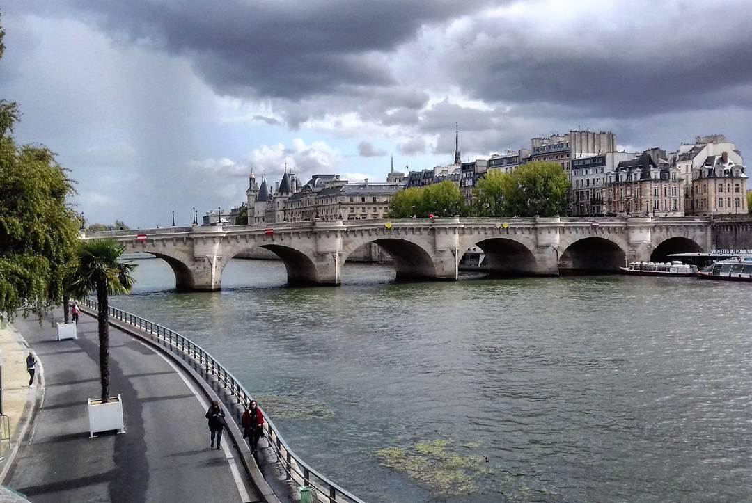 Il Pont Neuf: un vecchio ponte che si dà arie di nuovo