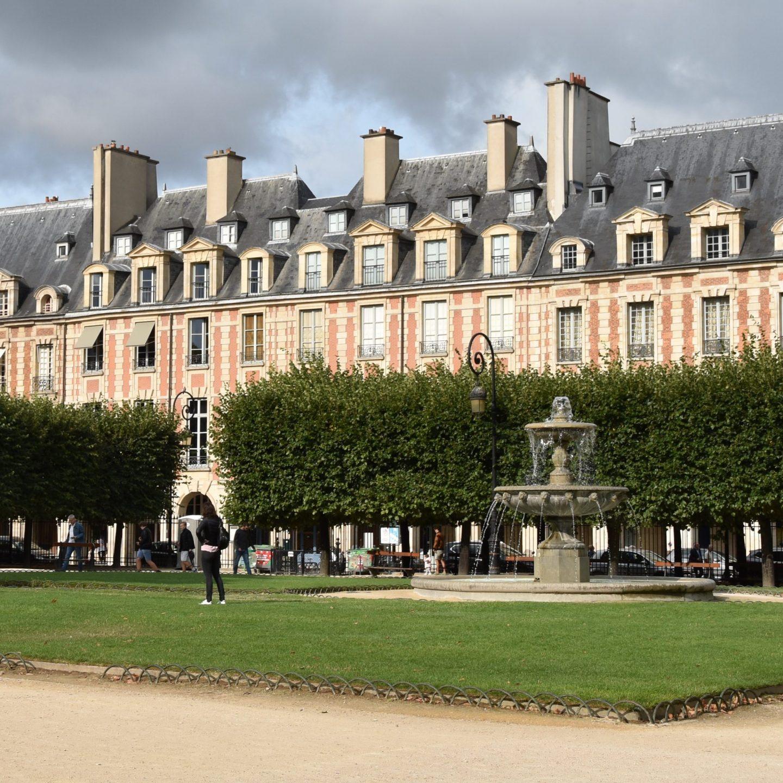 Place des Vosges e Pierre Corneille