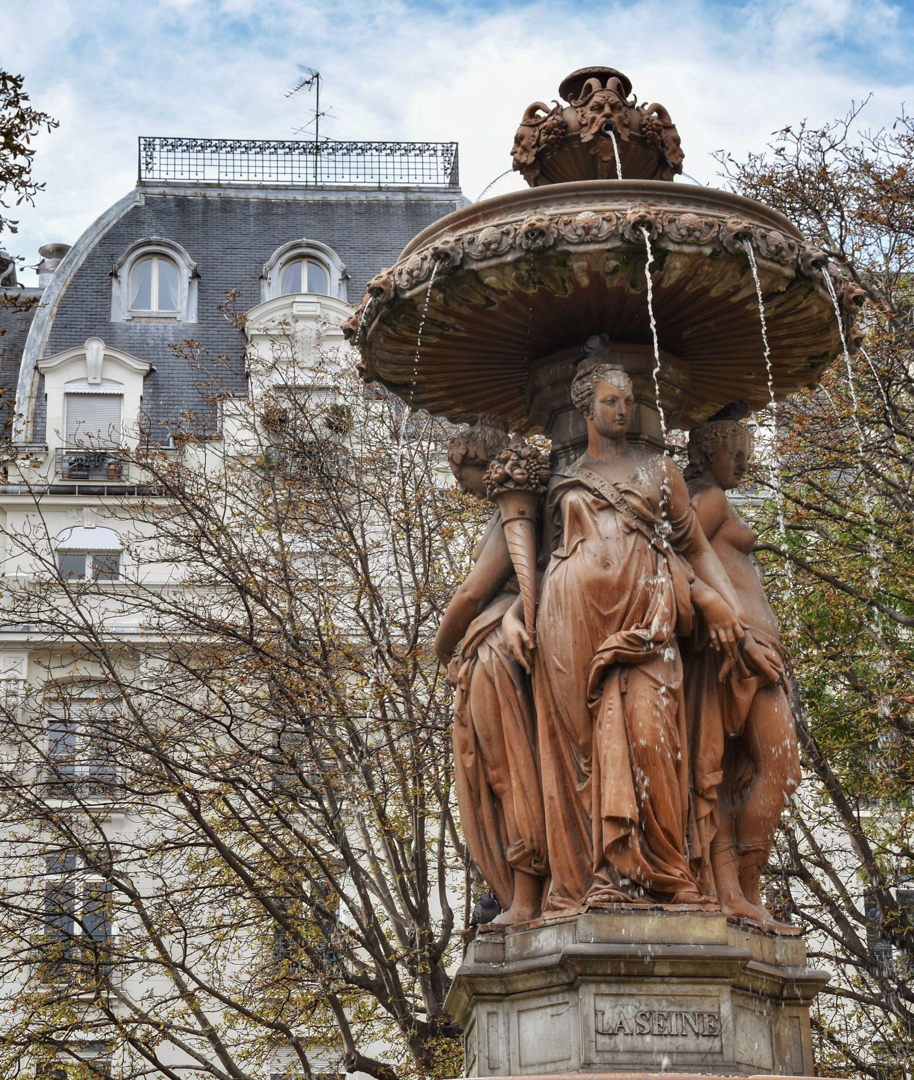 Fontaine Louvois, dettaglio della personificazione dei fiumi