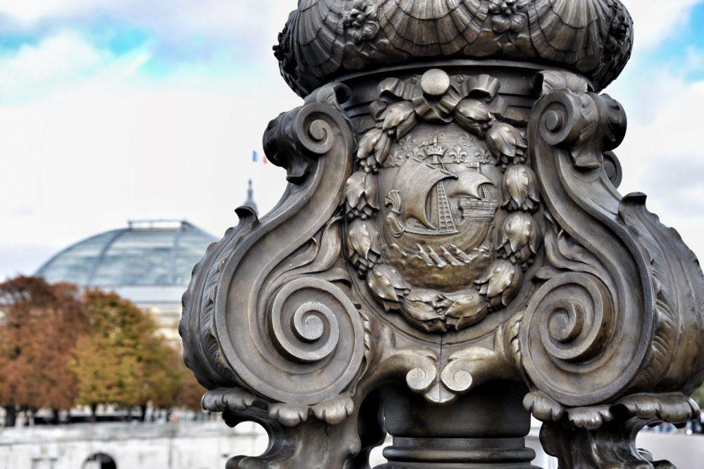 Dettaglio di uno dei lampioni del pont Alexandre III