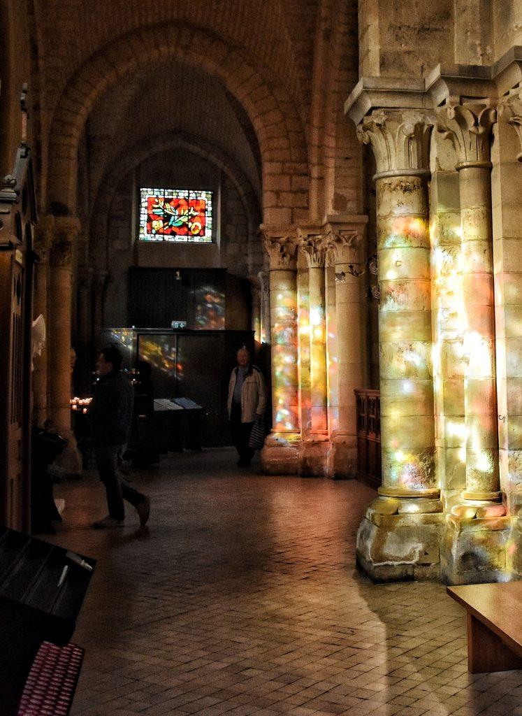 Luci sulle colonne di Saint-Pierre