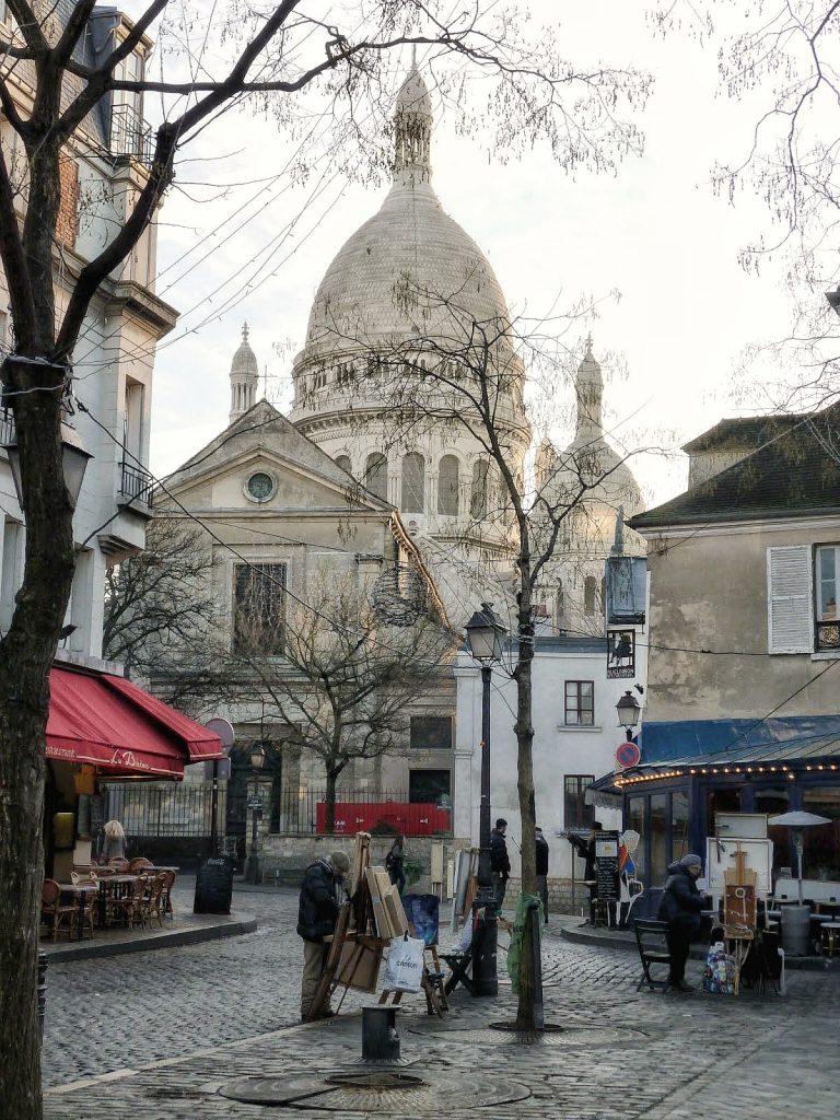 Saint-Pierre vista da place du Tertre