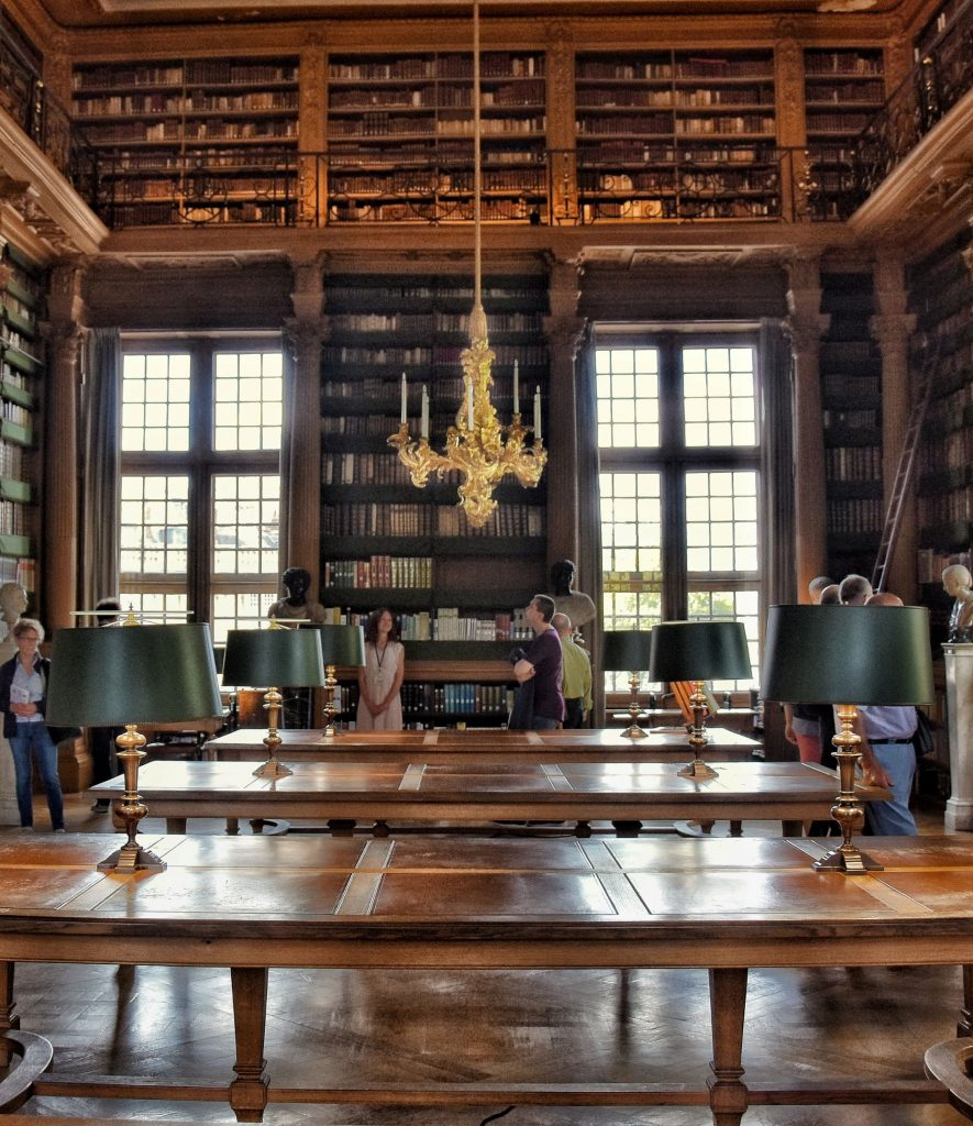 La Bibliothèque Mazarine all'interno dell'Institut de France