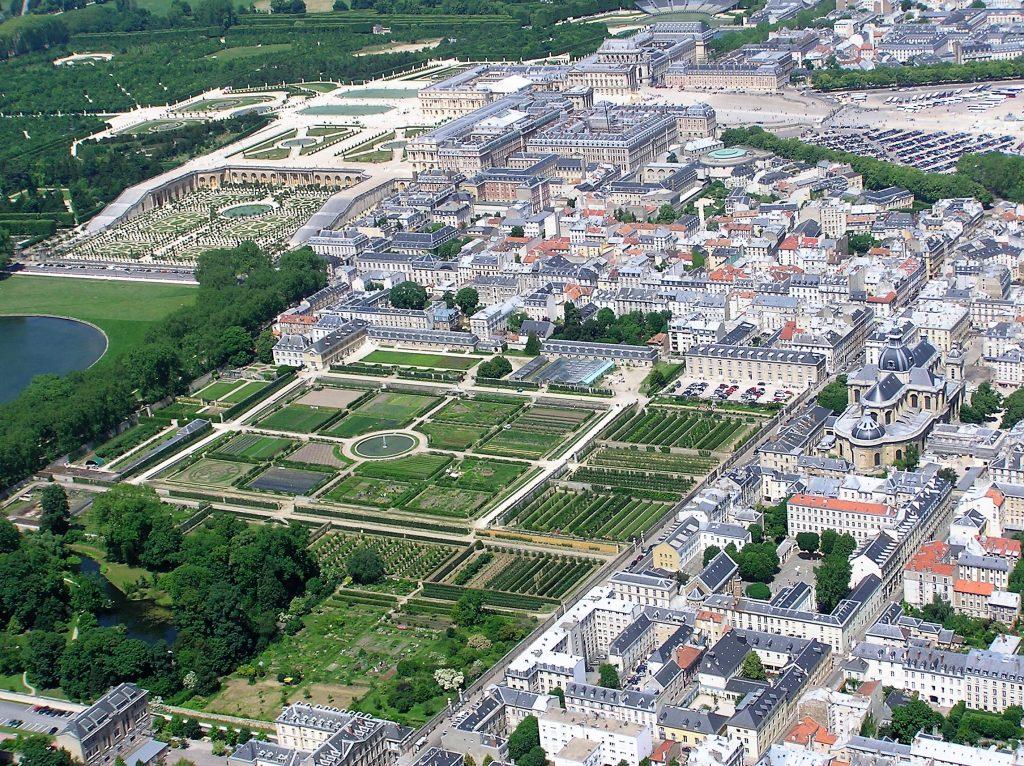 Le Potager du Roi  e lo Château de Versailles dall'alto