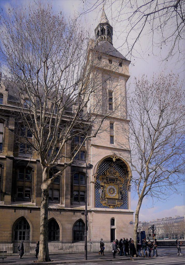 L'orologio inserito nell'omomima torre della Conciergerie