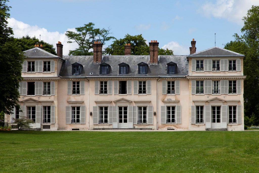 Facciata principale del palazzo di campagna di Madame Élisabeth