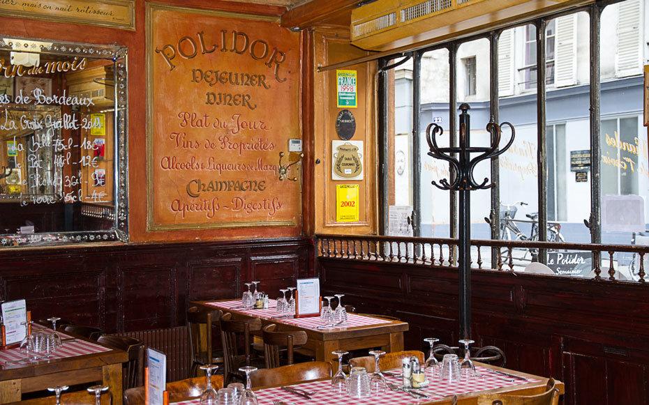 Interno e tavoli de Le Polidor