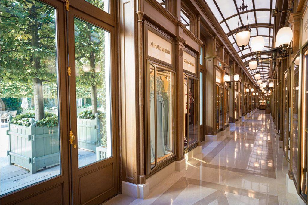 La galleria del Ritz, che unisce i due Hôtel particulier del XVIII secolo