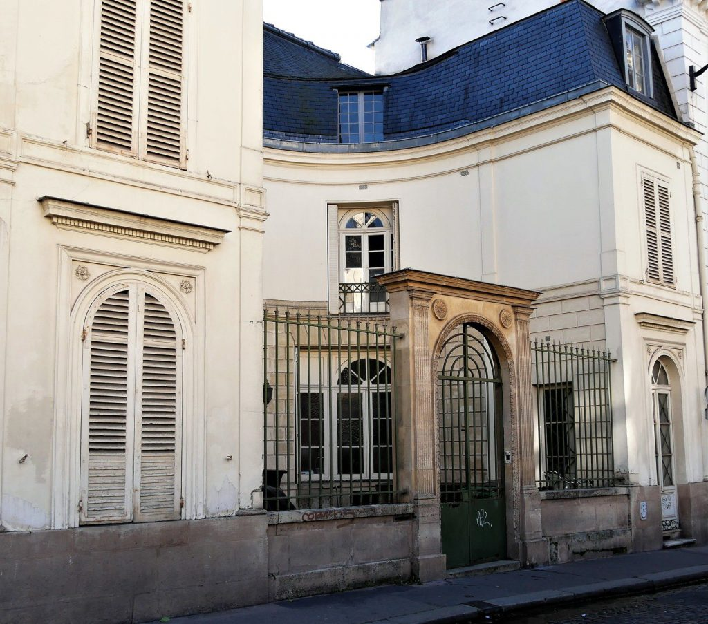Edificio neoclassico de La Nouvelle Athènes