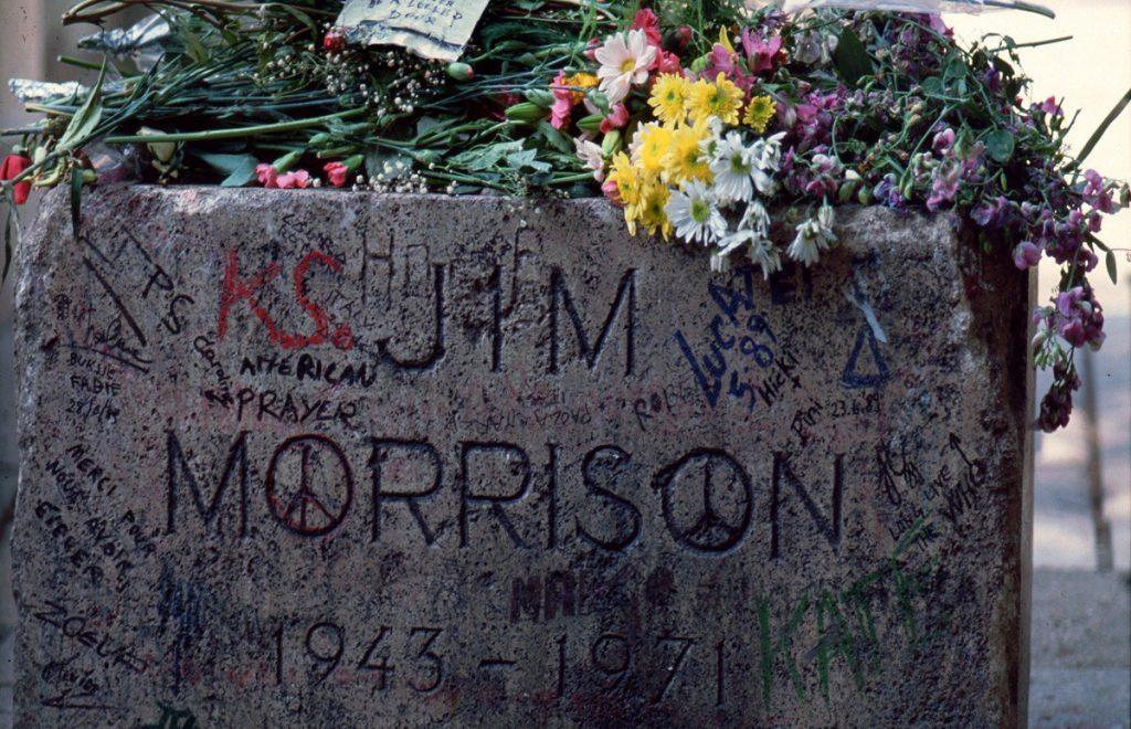 Tomba di Jim Morrison al cimitero di Père Lachaise