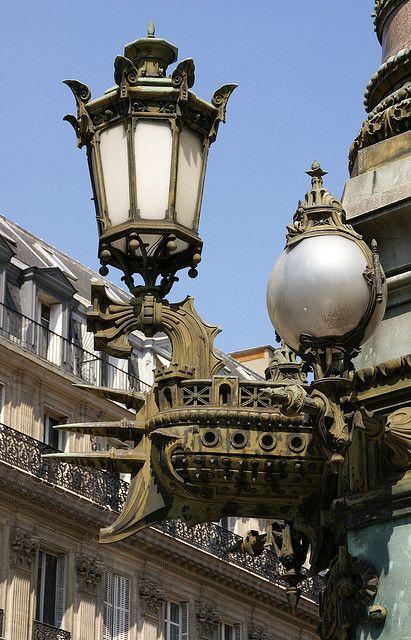 Lampioni rostrati all'Opéra