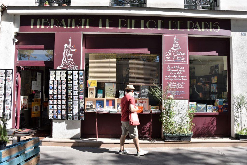 Le Piéton de Paris, devanture